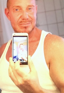 KK Selfie55