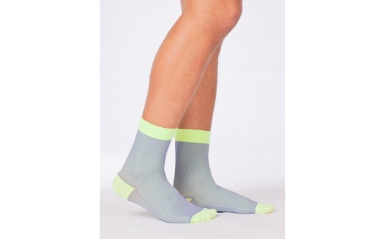 Itemm6_socks_colorwave_berry_lime_man