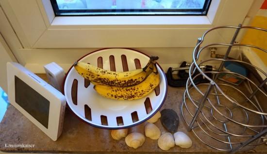 Trostlos! Habe vergessen Obst einzukaufen. Nur ein paar Bananen gammeln einsam vor sich hin.