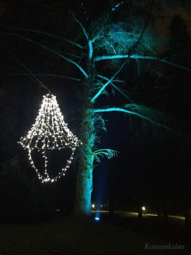KK Kronleuchter im Baum