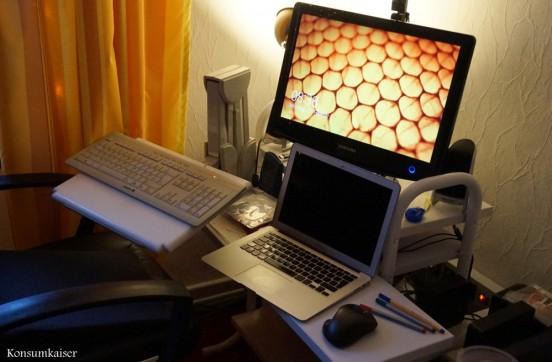 Ein Computer-Arbeitsplatz muss immer chaotisch aussehen, das gehört sich doch so, oder?
